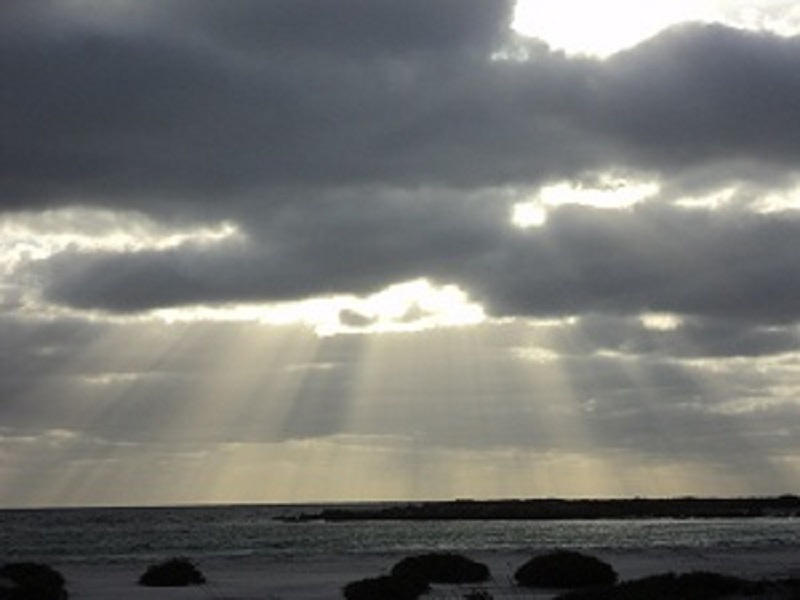 Rays of light at Lipsom Cove