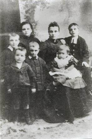 Johnstone Family 1890's